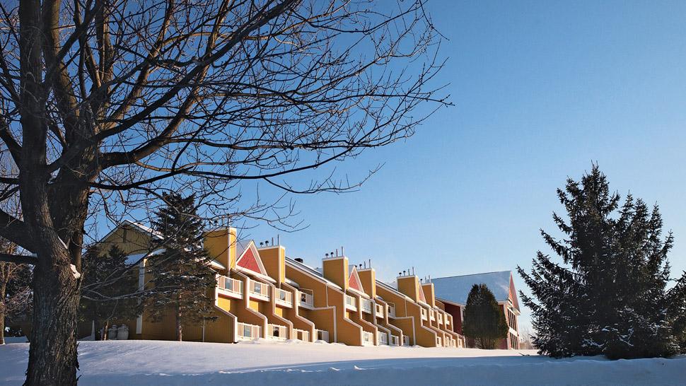 Estrimont Exterior Winter Hotel